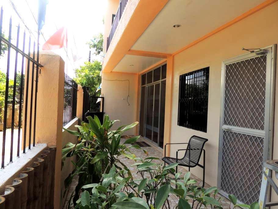 Jo-Cris Apartelle - Lapu-Lapu City - Bed & Breakfast