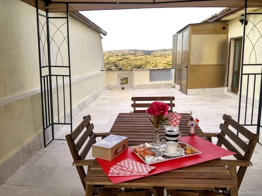 il casale dei sassi_3 la terrazza - Matera