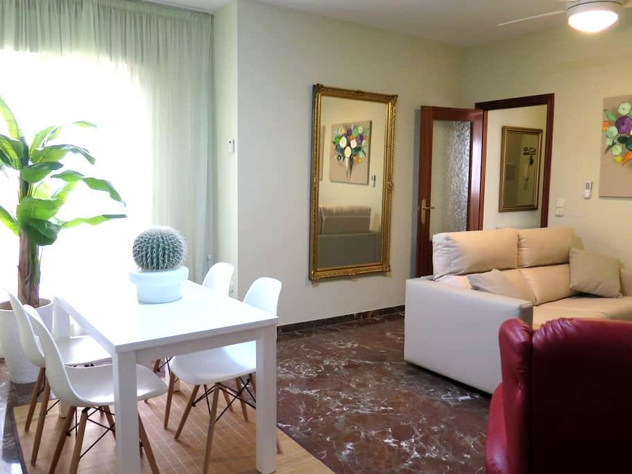 Apartment with parking in the center of Antequera - Antequera - Apartemen