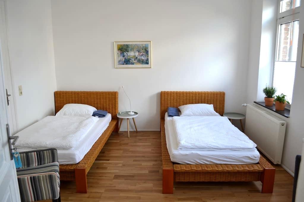 Doppelzimmer in einem Seminarhaus mit - Viersen - Wohnung