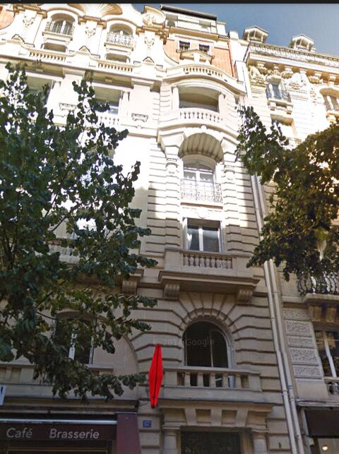 Beau Studio 15 eme arrondissement