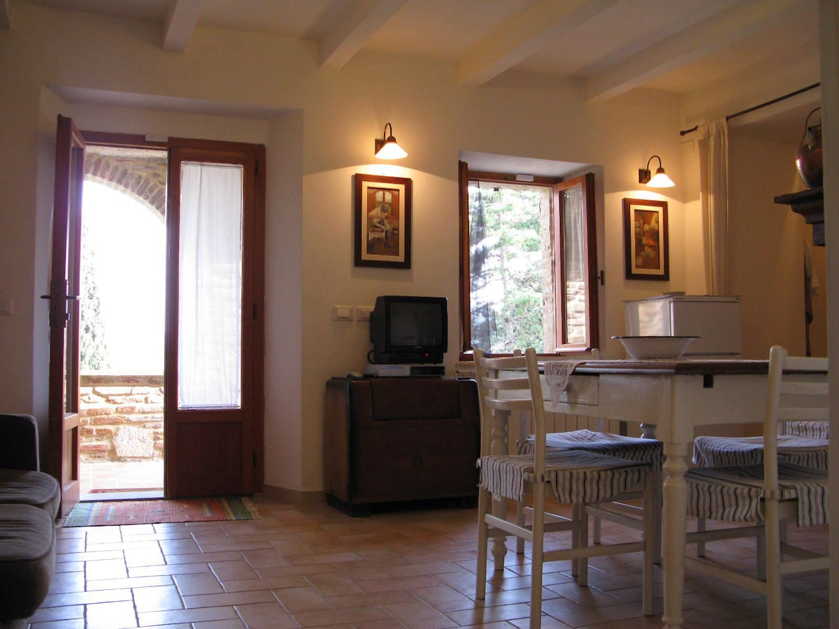 Poggio Cantarello Country Home