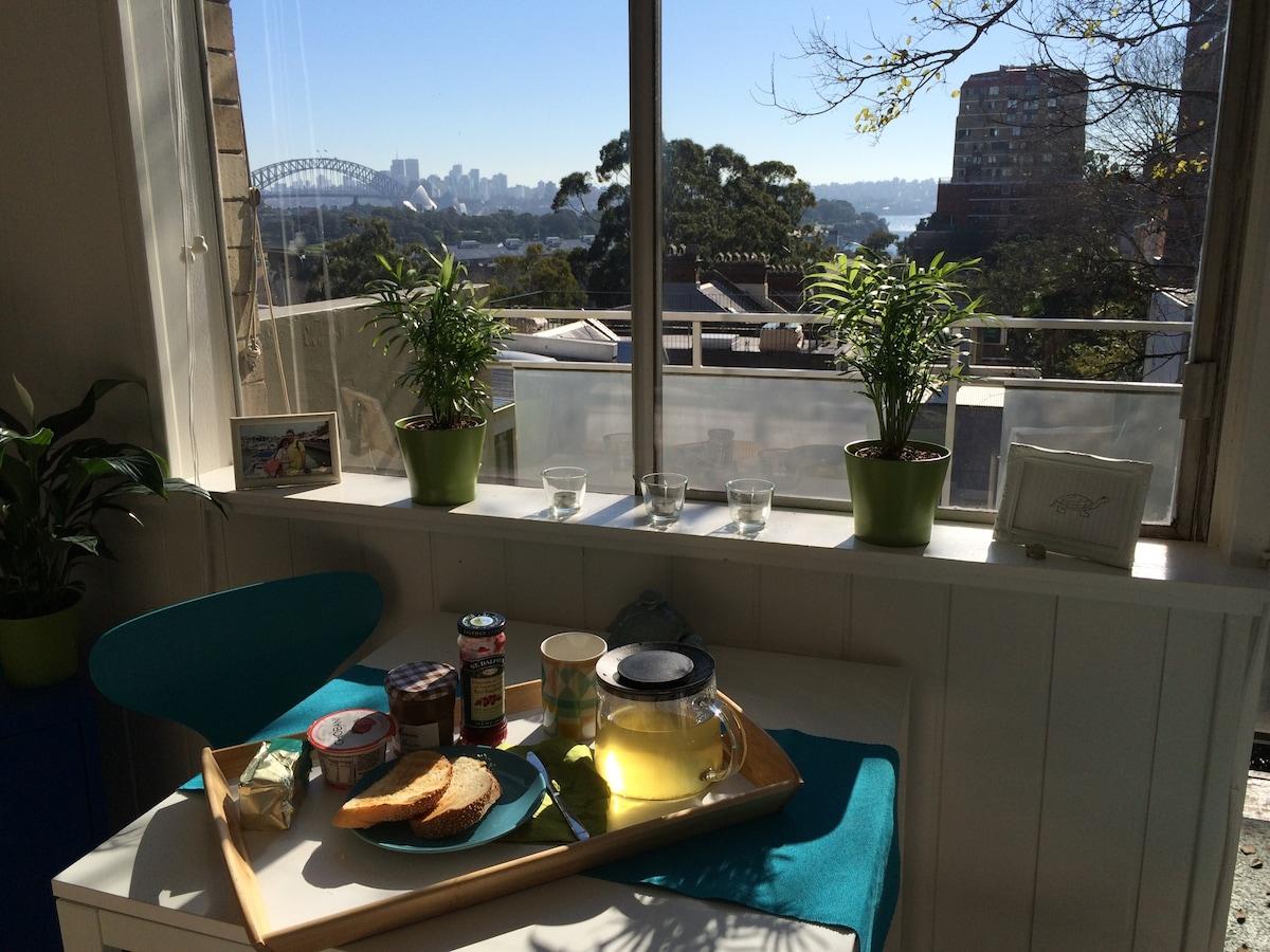 Lovely Sydney Harbour Views Studio!