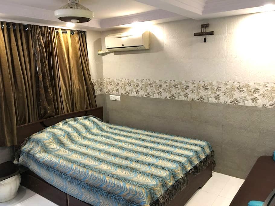 Studio Apartment for two in Bhandup west - Βομβάη - Βίλα