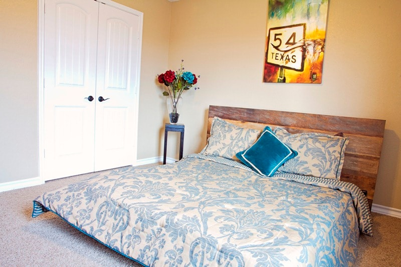 """Upstairs private bedroom: includes full bath, 55"""" flat screen, weight equipment"""