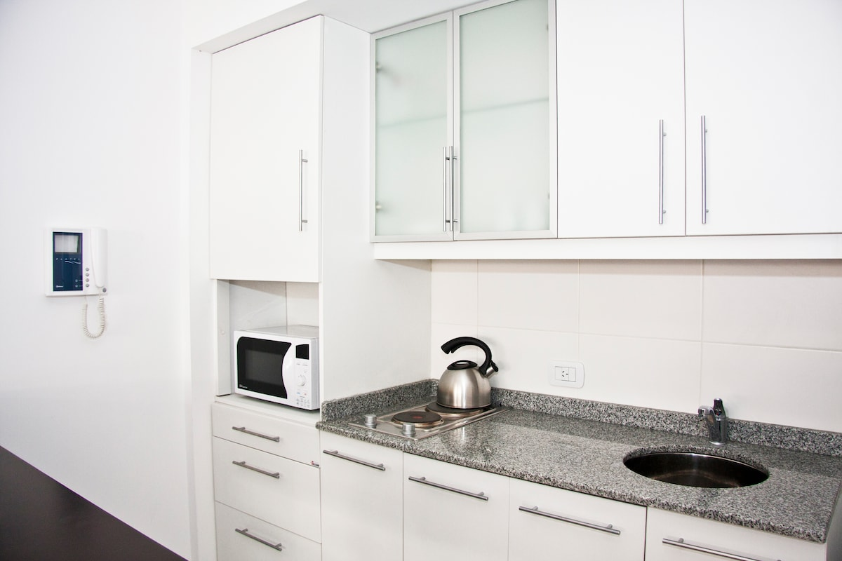 Full equipped kitchen with microwave, electric oven, etc