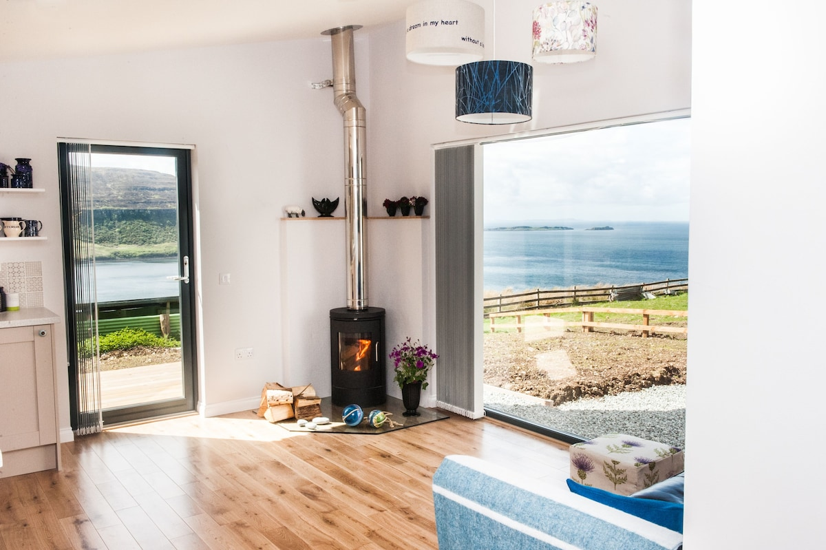 Blue Moon Studio, Waternish