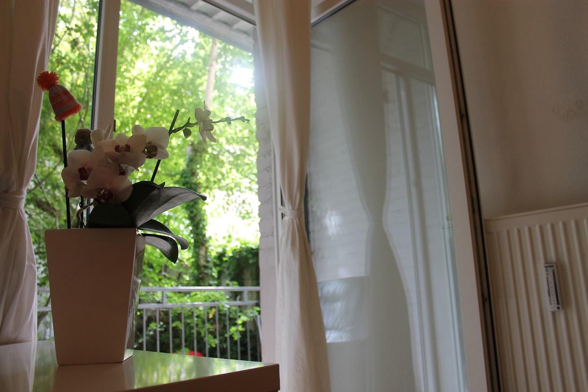 bedsit rented room / near kit