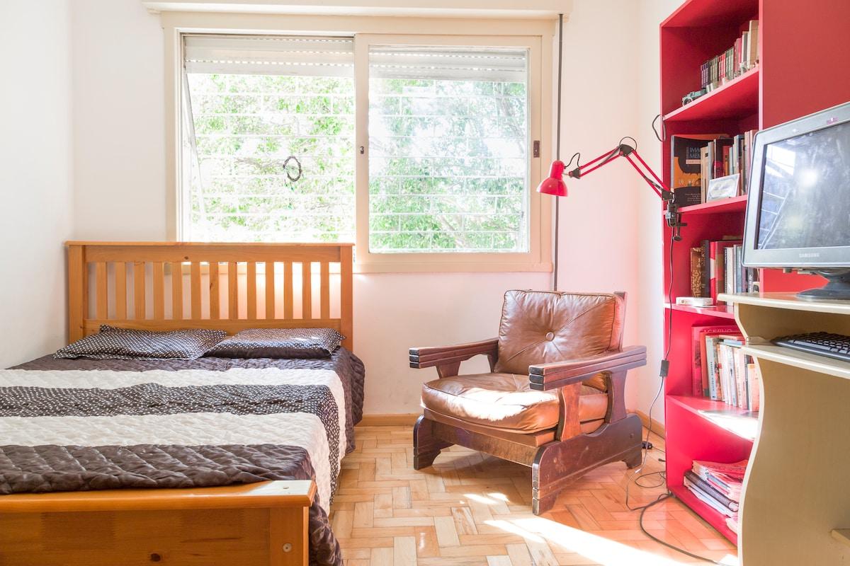 Room in Cidade Baixa/J. Alfredo St