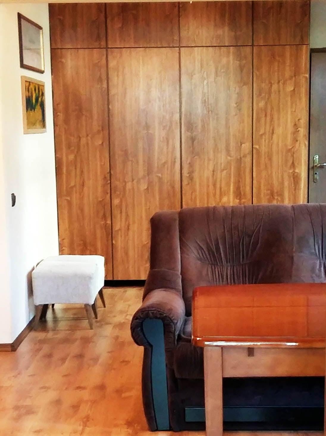 Living room (4 wing-wardrobe)