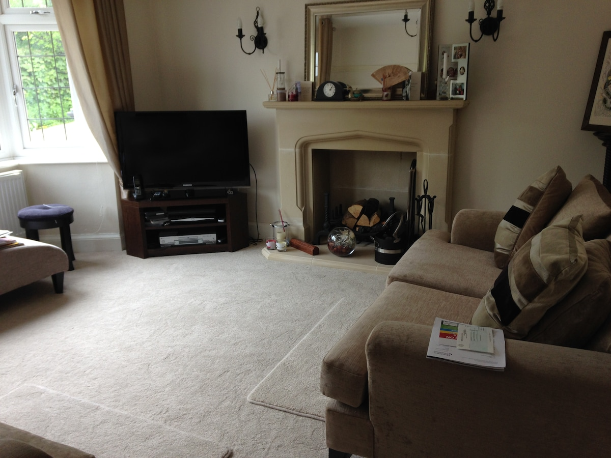 Double bedroom available