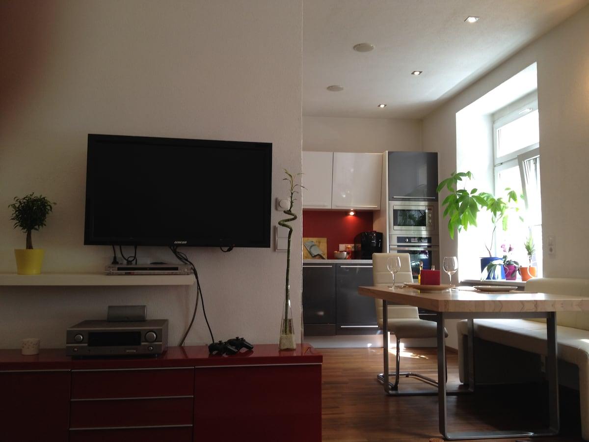 TV, PS3, Dolbysurround, DVD/CD- Player,