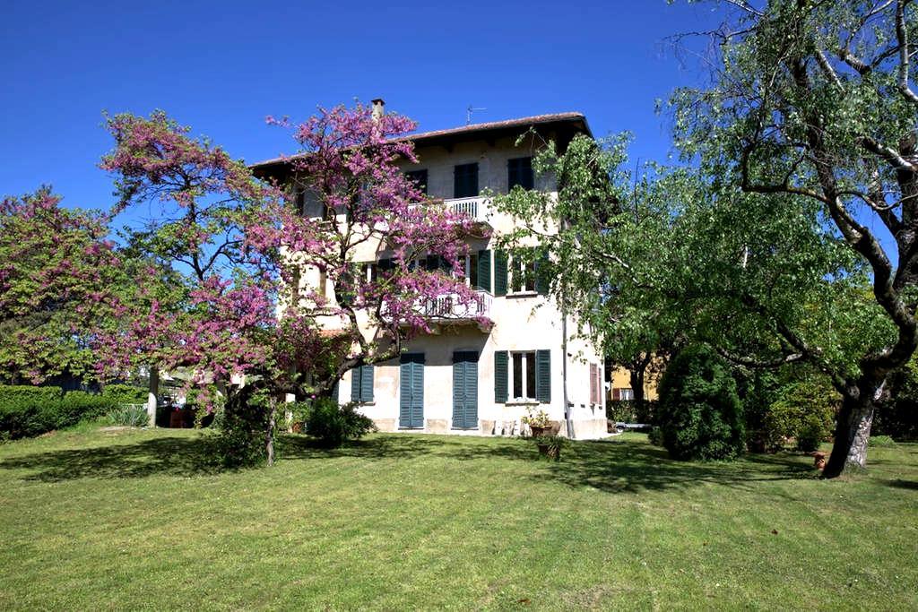 Casa d'epoca con giardino - Oleggio