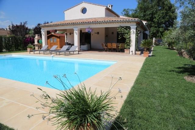 Villa 200 sq.m with  swimming pool