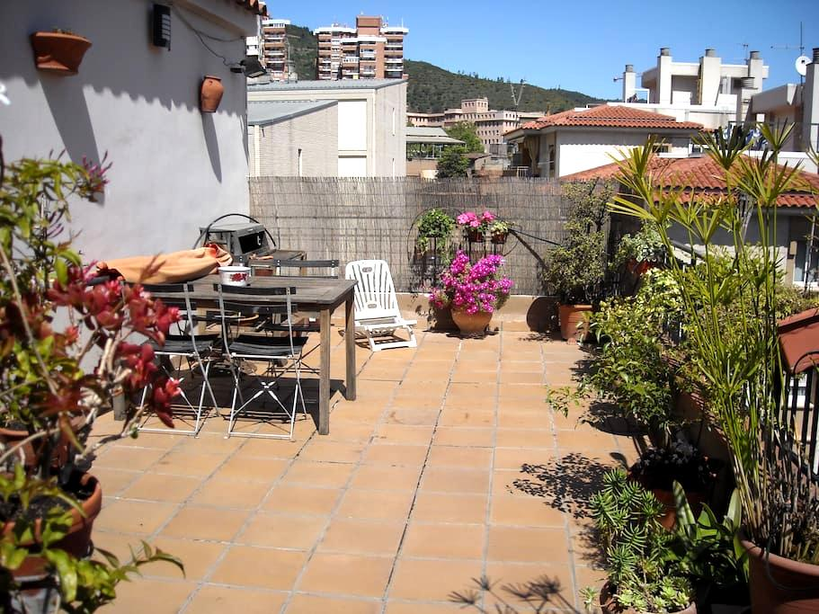 Welcoming top floor in Barcelona - Barcelona - Apartamento