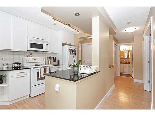 5 mins to Downtown - 2 BED APT.
