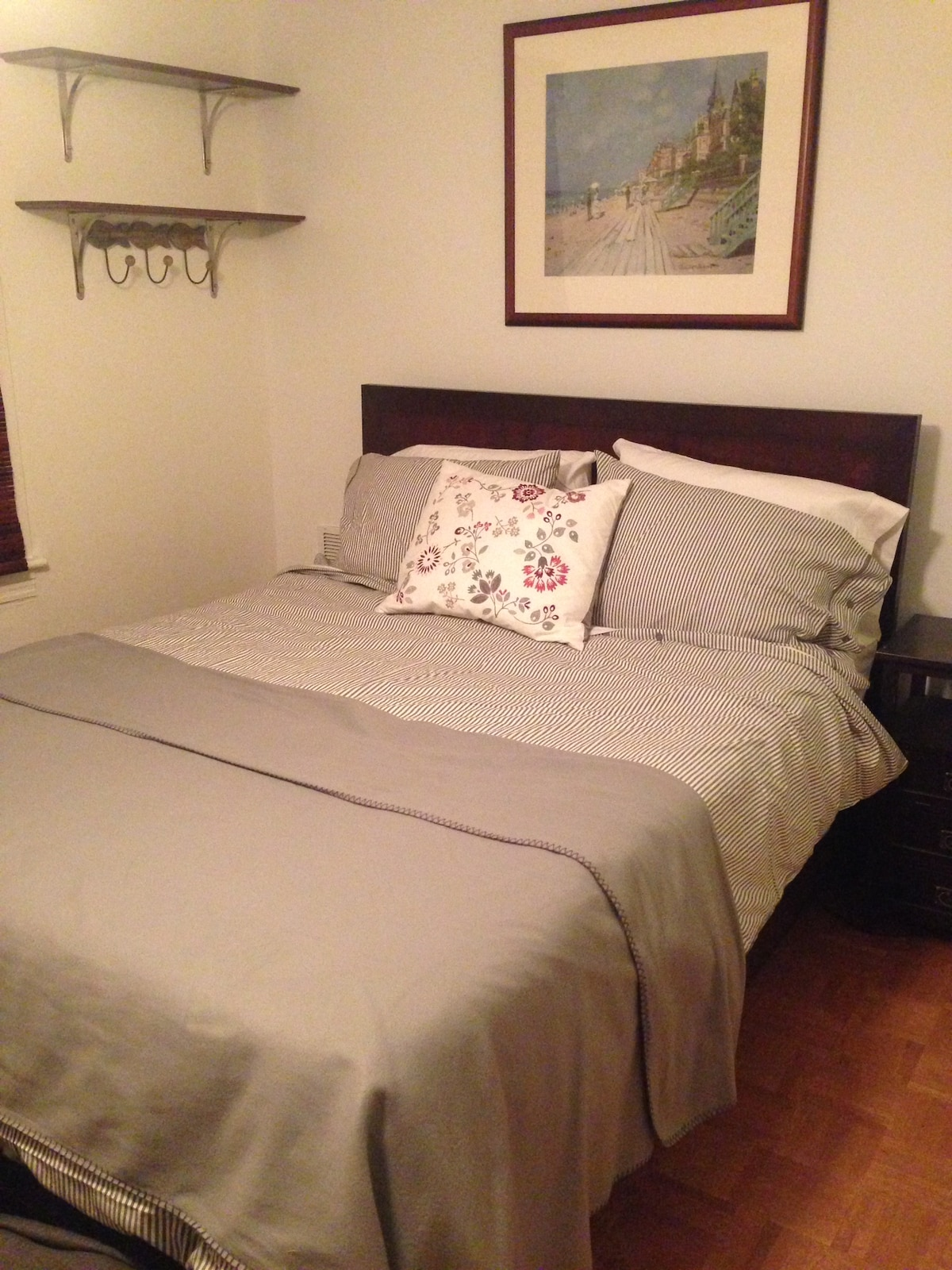 Furnished Room/Long-Term/Great Area