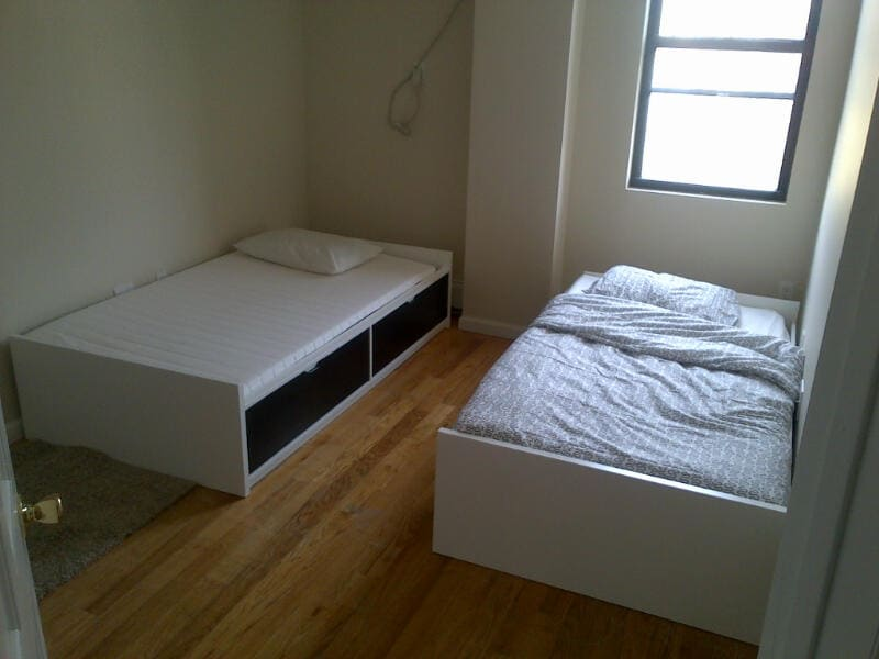 Double bedroom 110th st Manhattan