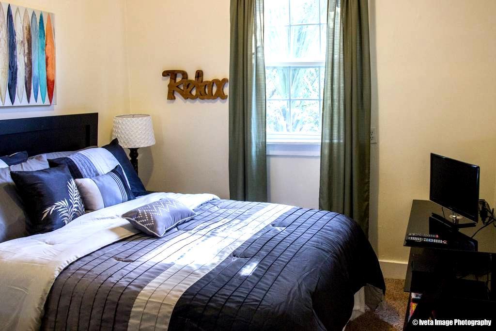 DOWNTOWN, TIKI ROOM - Charleston - Rumah