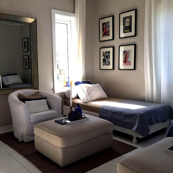 5-star rated Junior Suite at B+B Cerines, Nicosia - Dali - Bed & Breakfast