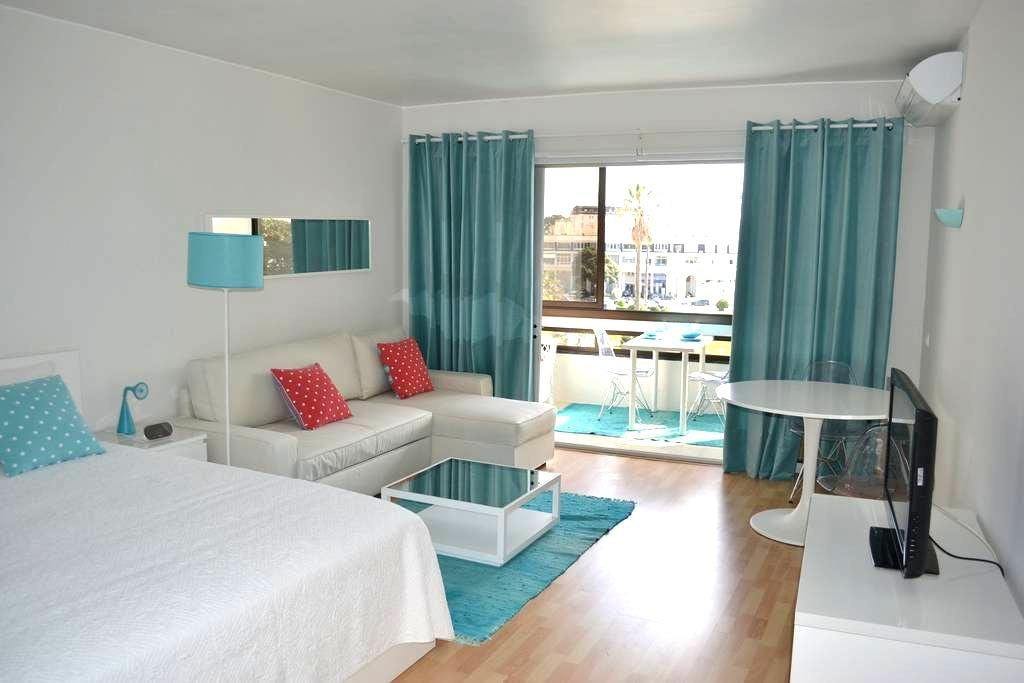Amazing apartment with sea view - 埃斯托里尔 - 公寓