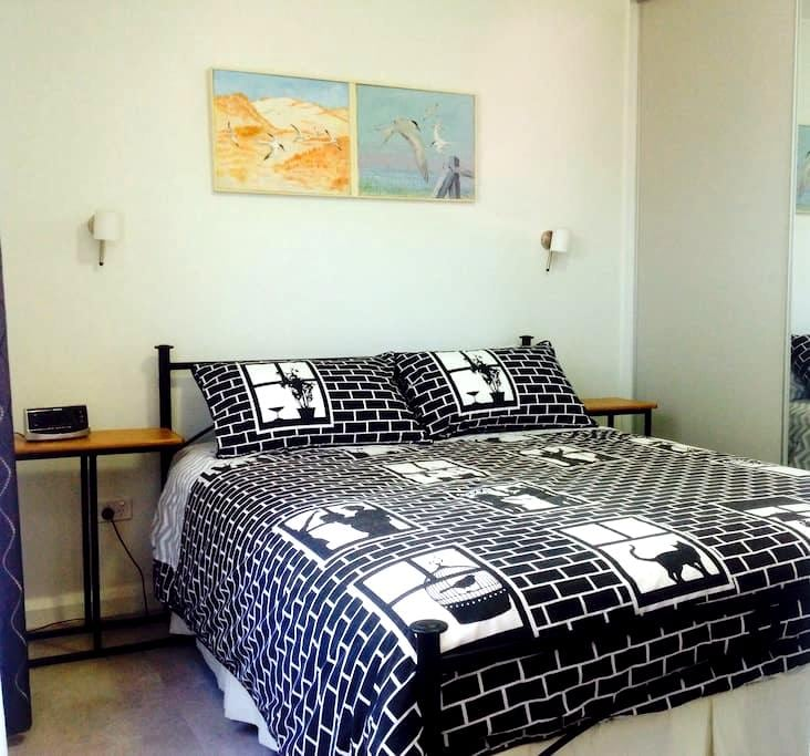 Cozy & Comfy by the water,cafes,restaurants,train. - Williamstown - Other