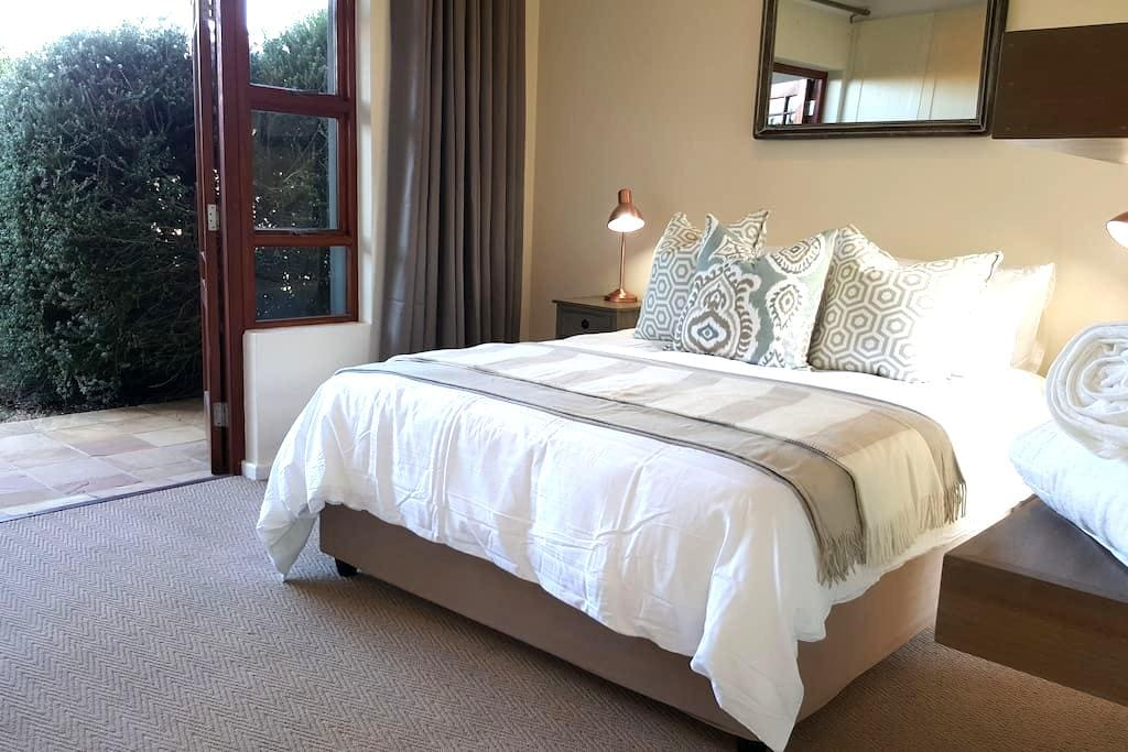 Holiday Accomodation - Six Whale Rock Gardens - Plettenberg Bay