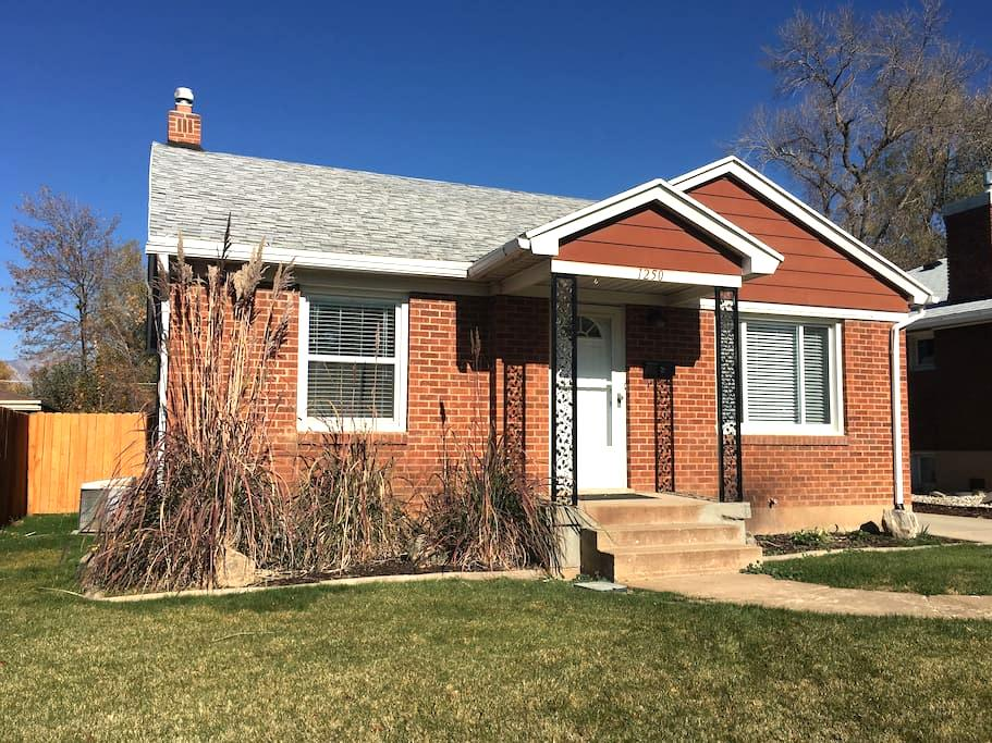 Charming home minutes from skiing/downtown/WSU - Ogden - Huis