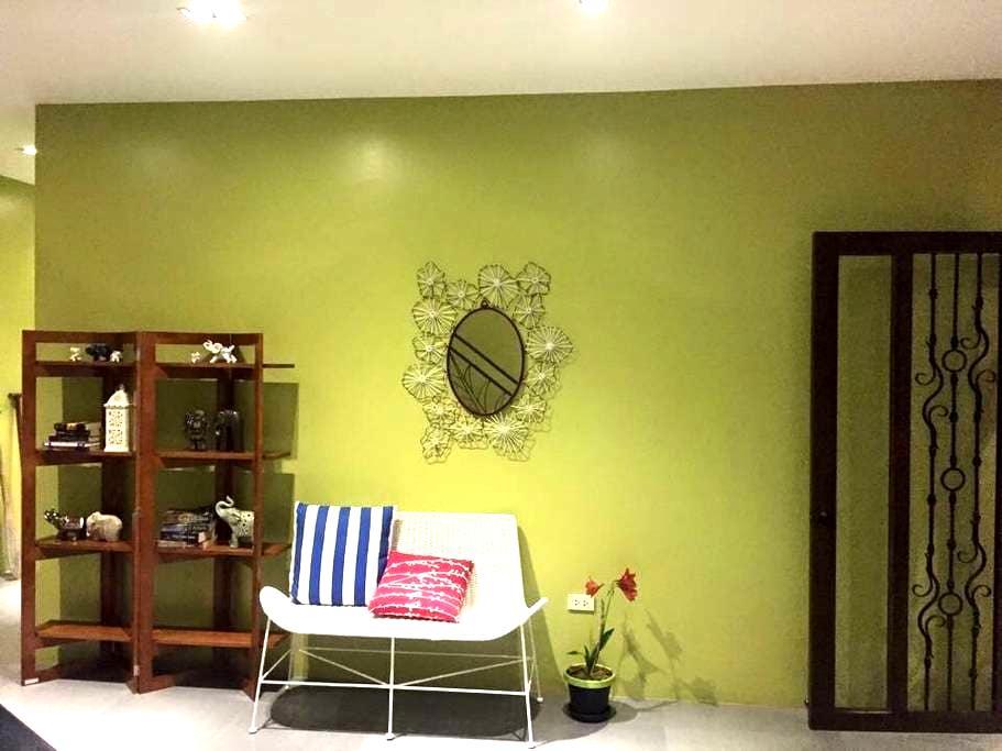 Loki's Hideaway. Value for Money - Cebu  - Apartemen