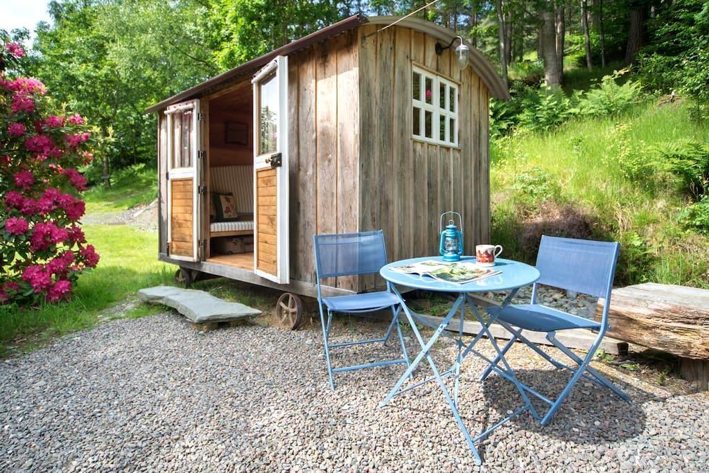 Cute Lake District Shepherd's Hut - Keswick