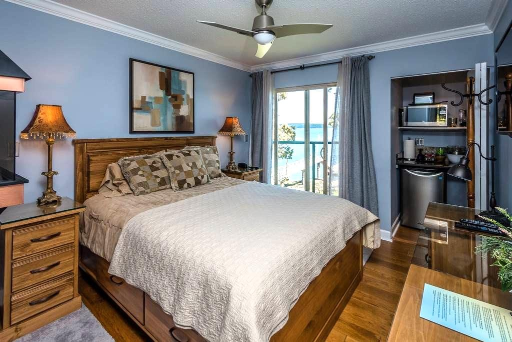 Romantic Ocean Suite For Two - Nanaimo - Apartment