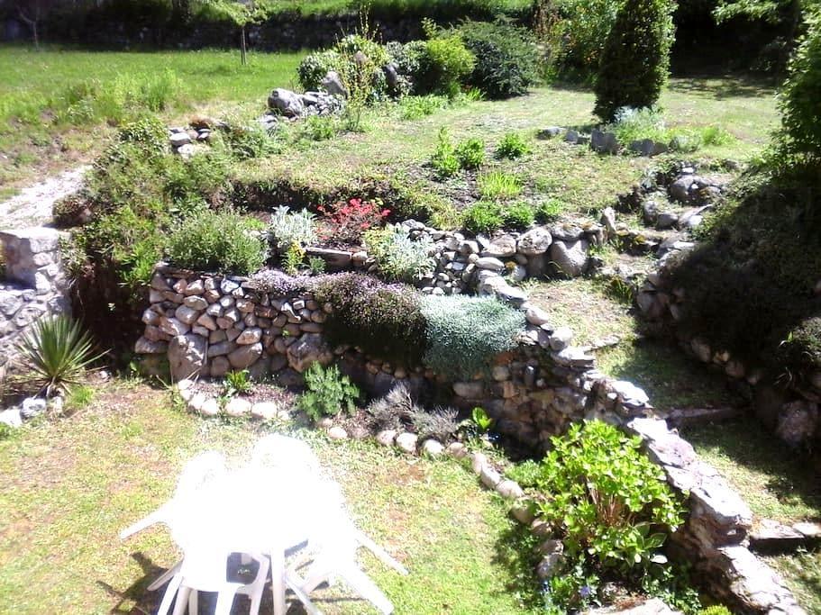 Chambre privée avec vue sur château de Miglos - - Capoulet-et-Junac
