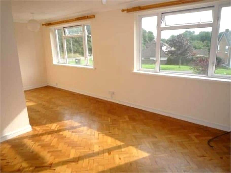 Beautiful apartment 2  bedrooms close to city - Cardiff