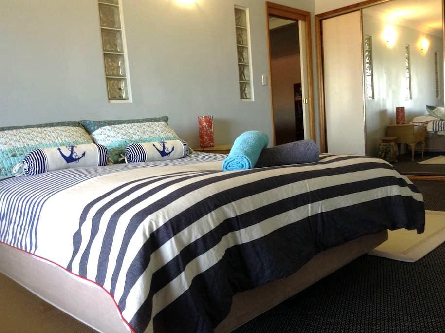 Bay Cottage - Bateau Bay - Apartament