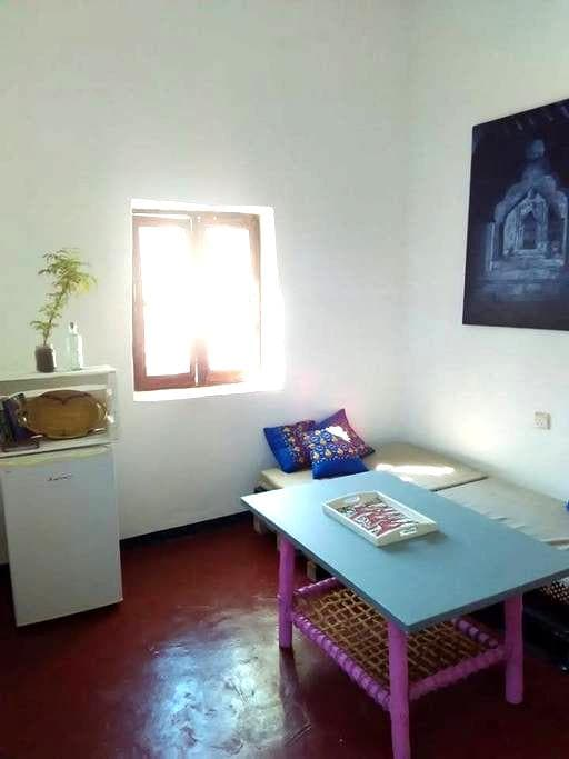 Upper Floor Apartment, Fresh and Central - Zanzibar Town - Lejlighed