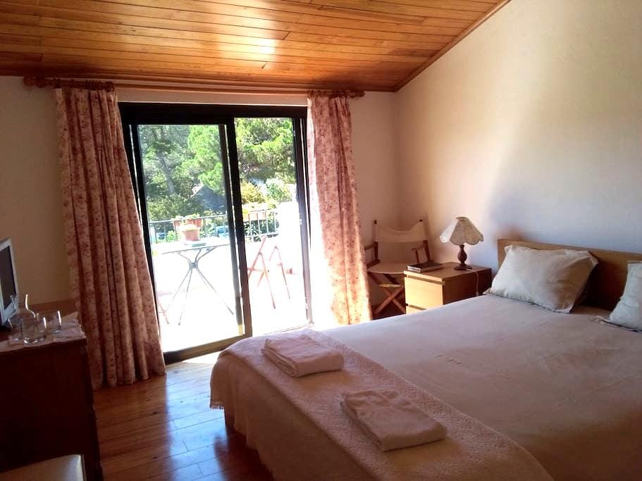 Countryside and beach house - Colares