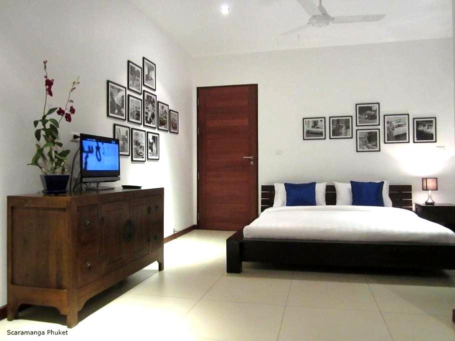 Seaview Room @ Scaramanga Bang Tao Bed&Breakfast - Phuket, Thailand - Pousada