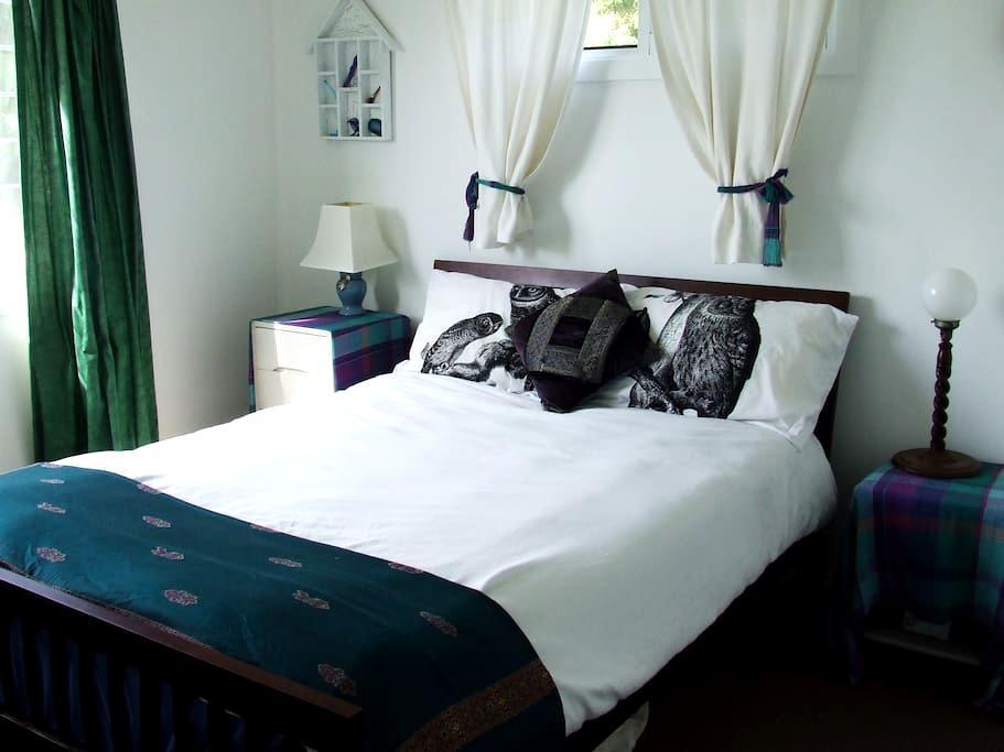 Comfy Double Room with own Bathroom - Ocean Shores - Bed & Breakfast