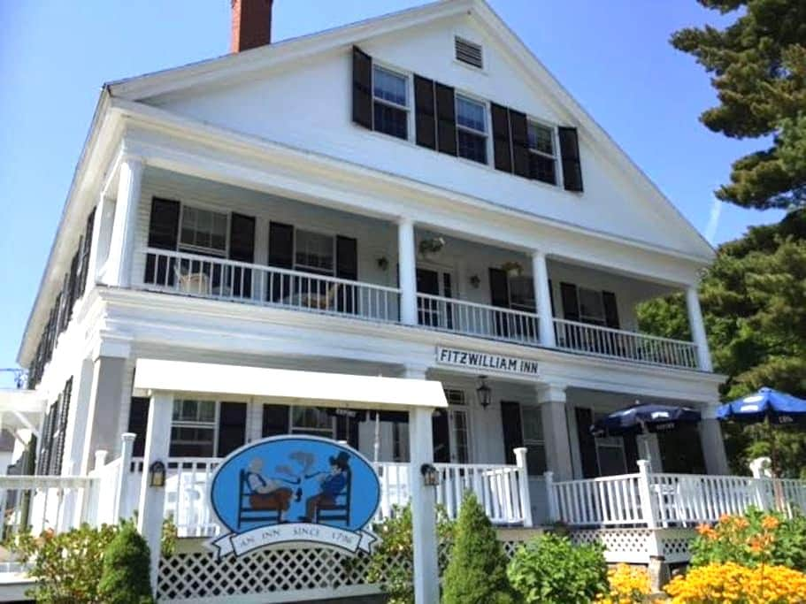 Charming Small-Town New England Inn - Fitzwilliam