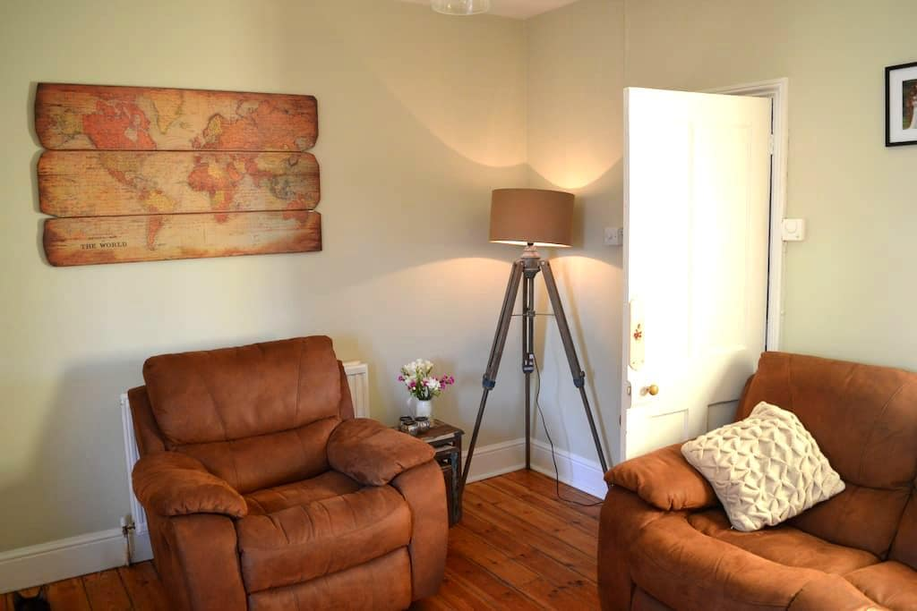 Charming Victorian, 5 mins fr river - Henley-on-Thames - Huis
