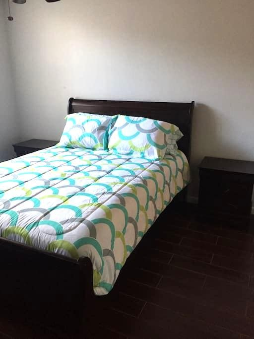 Heart of Boca - Cozy Queen Bed w/ Private Bath - Boca Raton - Daire