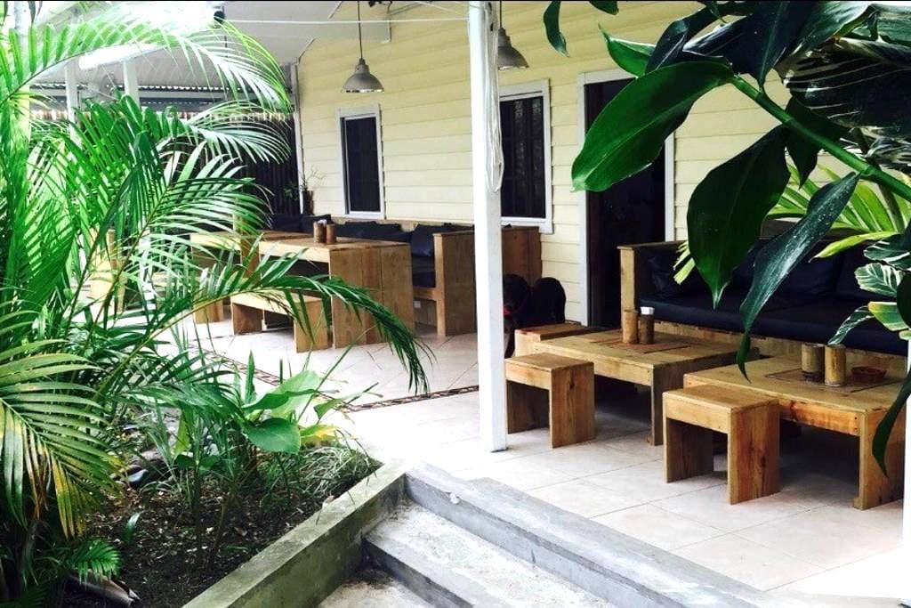 STAY BOCAS FRESH B&B WIFI & AC BOCAS TOWN #3 - Bocas del Toro - Inap sarapan