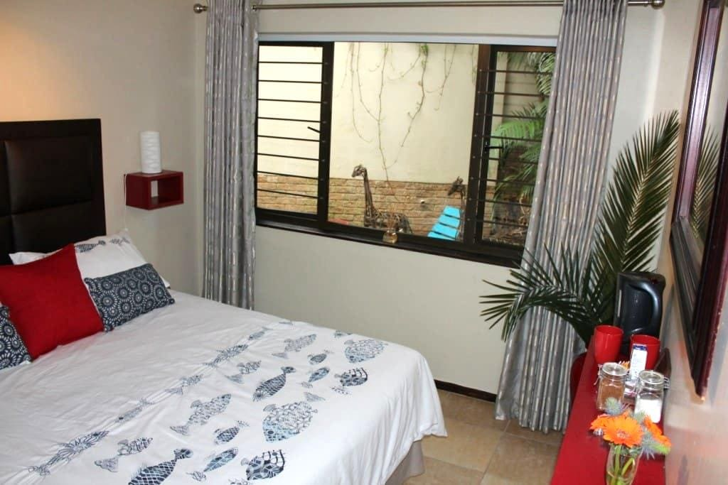 Beach holiday for 2 in the heart of Ballito - Dolphin Coast - Huis