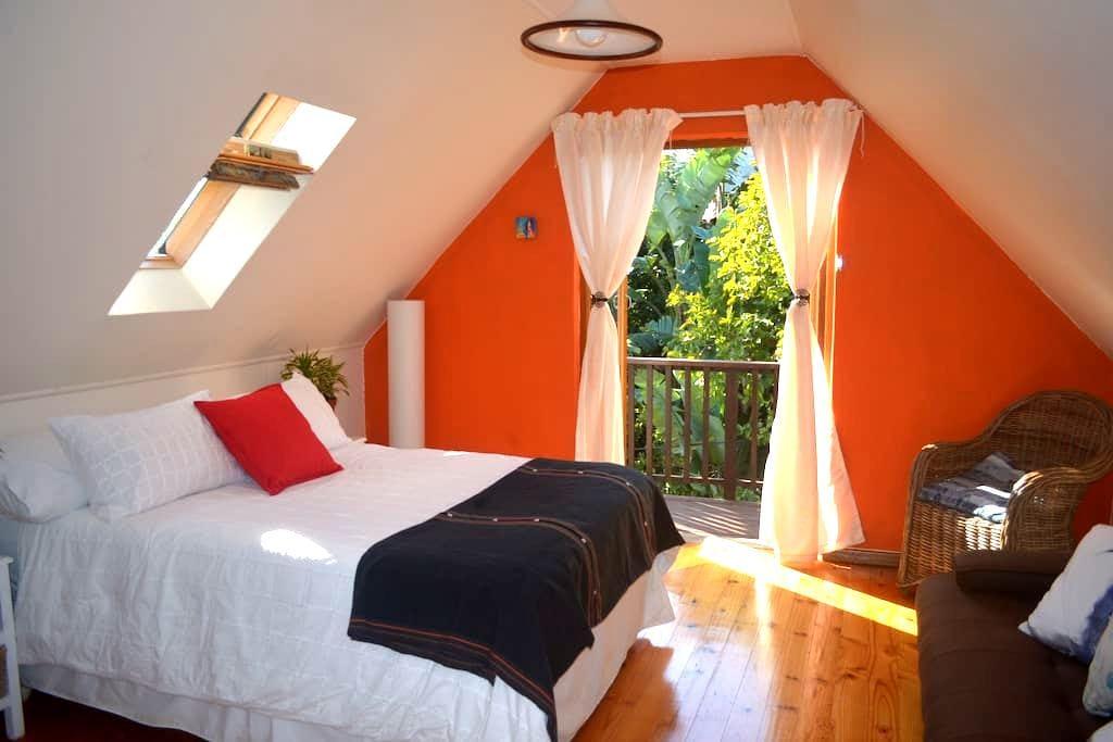Tu Casa es mi Casa, charming Cottage - Øst-London - Hytte (i sveitsisk stil)