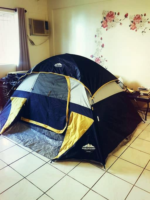 A tent in living room客厅帐篷 - Barrigada - Leilighet