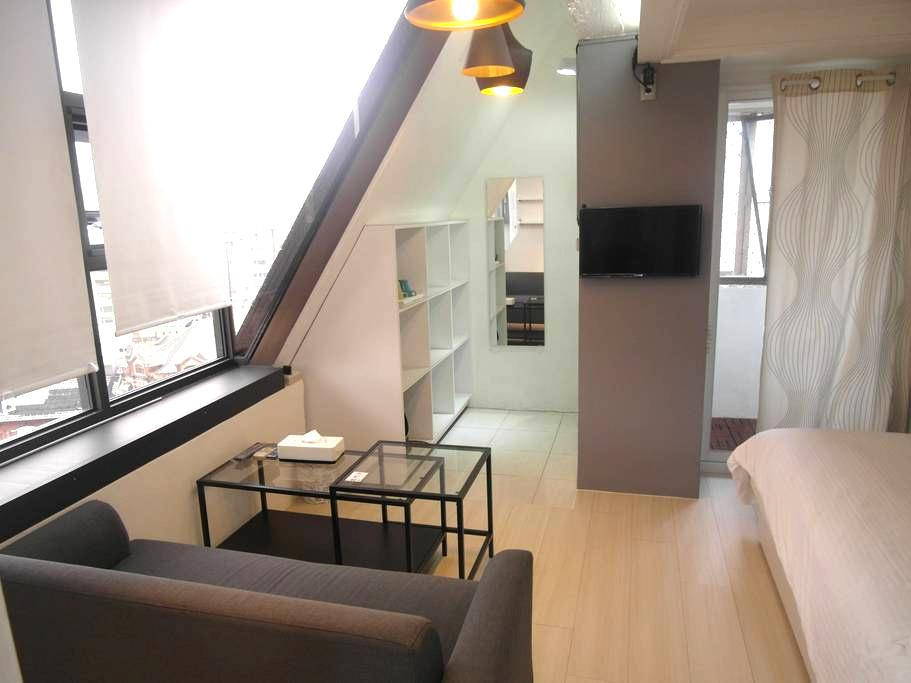 2min to MRT  room for 2 guests - 萬華區 - Apartment