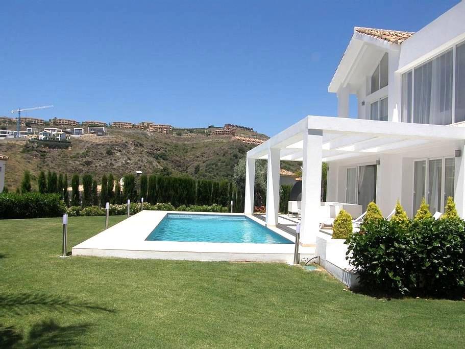 New Built Luxury Villa in Marbella - 1 min to Golf - Benahavís - Villa