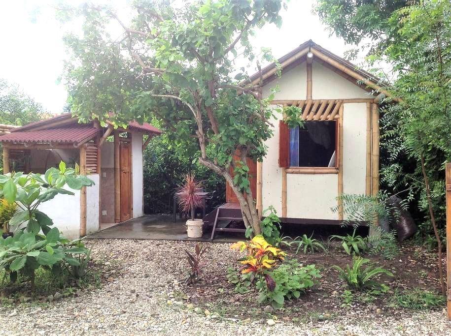 PRIVATE CABAÑA,  MONTAÑITA - Montanita - Sommerhus/hytte