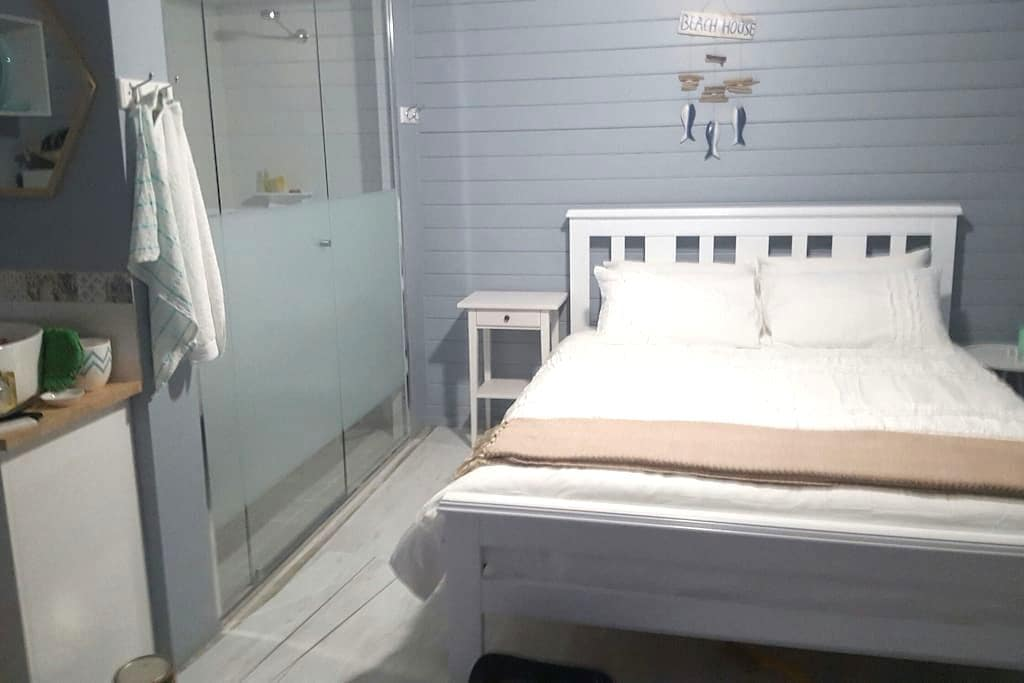 Private studio with ocean views - Bunbury - Chalet
