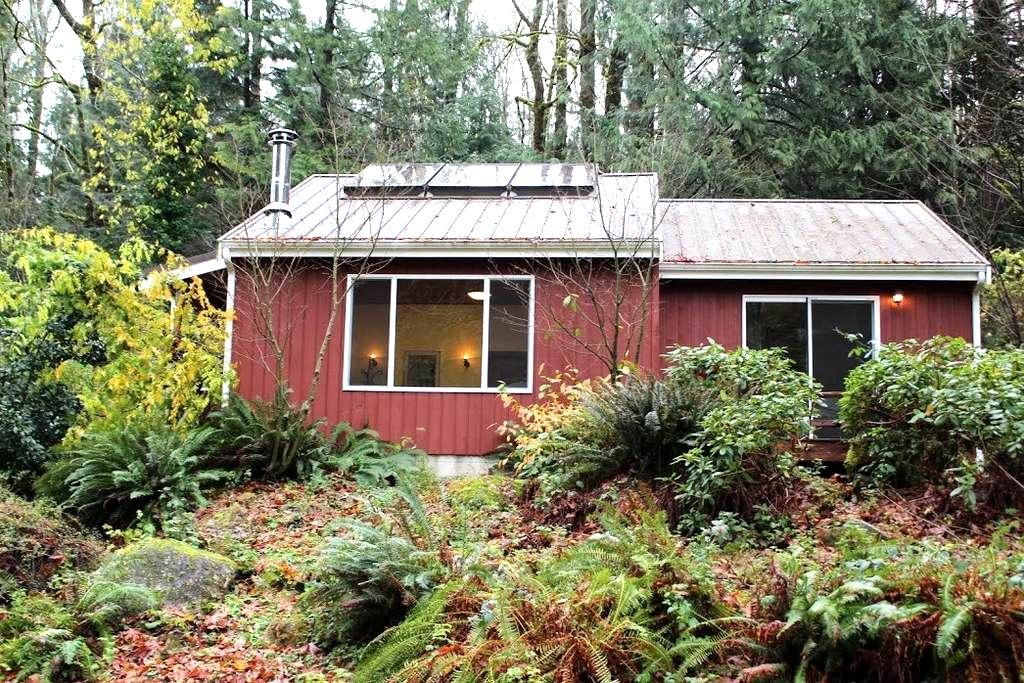 A Hillside Getaway on the Skykomish - Index - Cabin